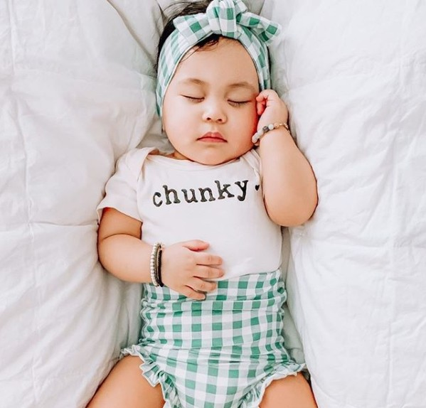 Are Finn Emma baby clothes Fashionable?-Baby wearing organic bodysuit 'Chunky'.